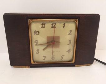 Vintage GE wood electric clock