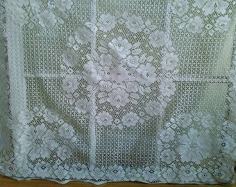 Square embroidered table linen