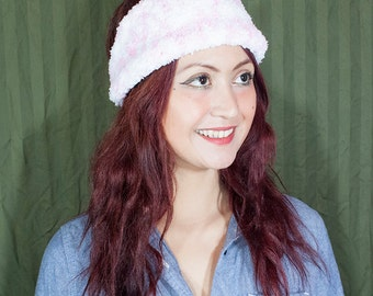 Whit hand knit head wrap