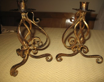 Iron candle holder candlestick forge of artisanal manufacturing. Living room, bedroom, home.
