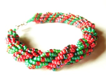 Christmas Beading Patterns - Seed Bead Patterns - Beaded Bracelet Patterns - Beading Tutorials and Patterns - Holly Rope Bracelet