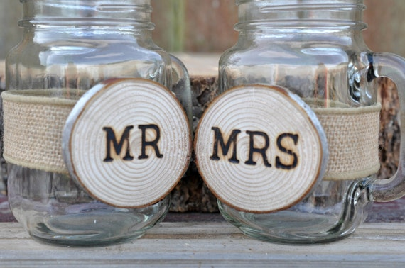 Mr And Mrs Gifts Wedding: Items Similar To Wedding Glasses, Mr And Mrs Glass