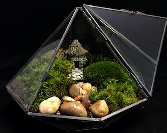 Terrarium-Geometric Pagoda Terrarium-Moss Terrarium-Modern Terrarium-Zen Terrarium-TerraSphere