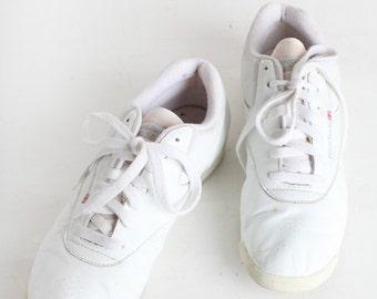 Women's Size 11 Vintage White Reebok Tennis Shoes, Fitness Shoes