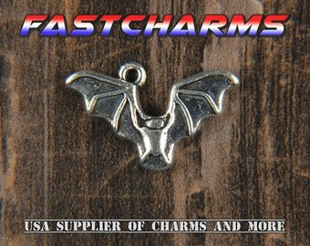 FLYING BAT CHARMS, 5+pcs, 15x24mm, charms for bracelets, halloween charms, bat jewelry, seasonal charms, jewelry charms, fastcharms (YB23A)