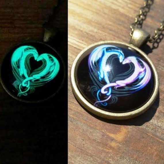 Glow in the Dark Dragon Necklace Pendant, Descendants Mal Dragon Cosplay, Glowing Purple Pink Heart Dragon, Dragon Lover or Pre Teen Gift
