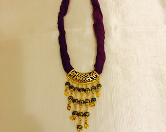 Silk and crystal Necklace