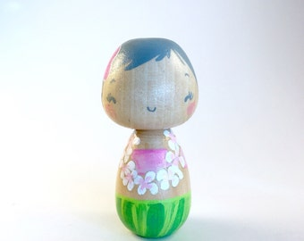 Mini pastel hula girl
