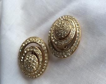 Gorgeous goldtone Ciner earrings