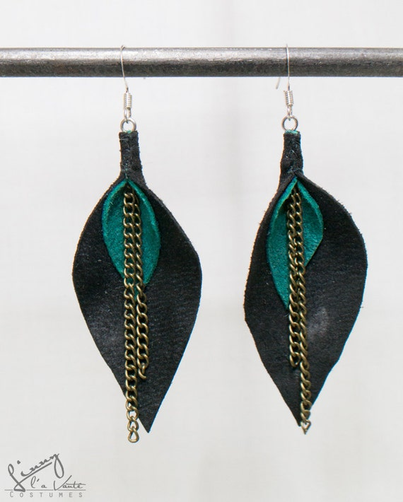 Black/turquoise Leather Petal Earrings  [Water Lily]