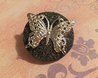 Butterfly button brooch