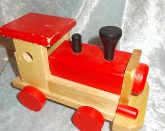 Vintage wooden toy steamengine/ train.