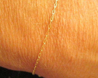 Very Dainty Gold Chain Bracelet, simple and so very pretty