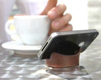Smartphone Bracelet and Stand in Tan Leather