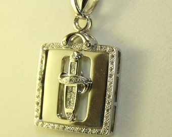 White gold necklace 18k with diamonds pendant