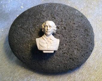 Shakespeare Bust pin