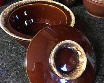 Hull Brown Drip Glaze One Quart Round Casserole, 1960s