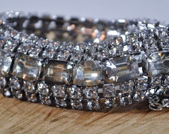 Beautiful vintage rhinestone bracelet
