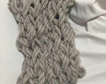 HANDKNITTED INFINITY SCAFT