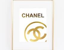 coco chanel logo poster echtes blattgold print wall art prada marfa distanz wie gossip girl mode. Black Bedroom Furniture Sets. Home Design Ideas