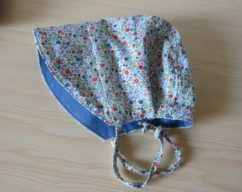 Reversible sunhat blue and miniflowered pattern, Size 0-3 months