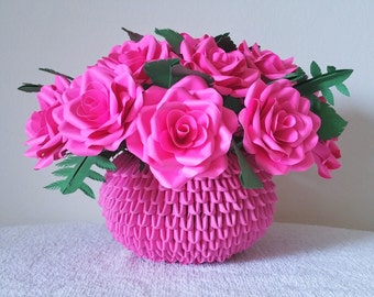 Paper Rose Centerpiece / Flower Arrangement / 3D Origami Vase
