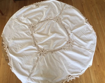 Cream with Lace Tablecloth