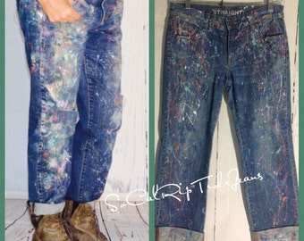 Sz 0, NY & Co cropped boyfriend styled, hand painted jeans! Splatter painted in soft hues for a unique one of a kind Jean! Little stretch!