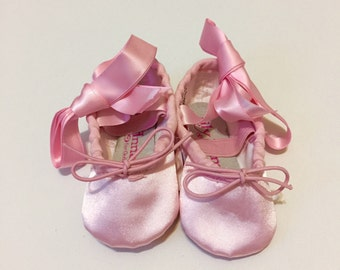 Pink ballet shoes - Satin ballet slippers - Pink ballerina slippers - Ballet shoes with ribbons - Toddler ballet shoes - Baby ballet shoes