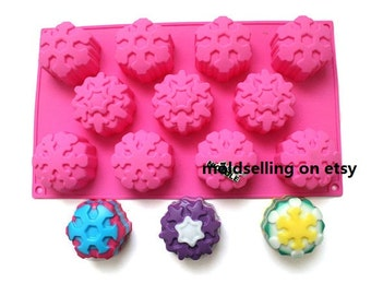 11-Cavity Snowflaker Flower Cake Mold Soap Mold Flexible  Silicone Mold Crafts Candle Mold Resin Mould Tool