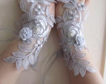 Grey Lace Gloves/ wedding Gloves,Grey Bridal Gloves, Silver flover, Crystal button,Fingerless gloves, bridesmaid glove