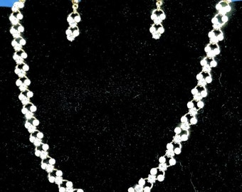 FREE SHIPPING!  Necklace and Earrings Set