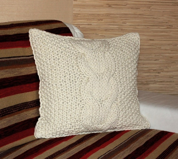 Chunky Knit Pillow Pattern : Chunky Cable Knit Pillow Cover. Natural White Sheep Wool.