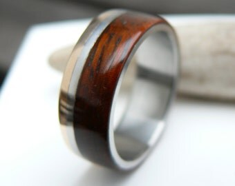 Titanium Ring with Bronze and Padouk Wood, Wedding Ring, Engagement, Mens Ring, Women, with Engraving, love gift