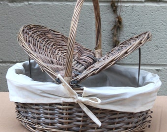 Wicker Basket with White Lining