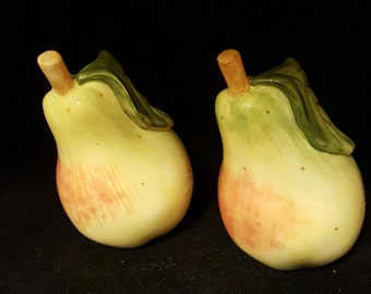 Fitz & Floyd Pear Salt and Pepper Shakers