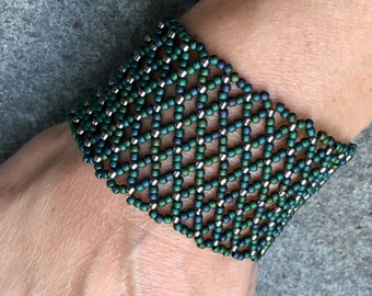 Green and Silver Netted Bracelet