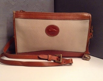 FREE SHIPPING//Vintage Dooney and Bourke//All Weather Pebbled Leather//Shoulder//Crossbody//Bag
