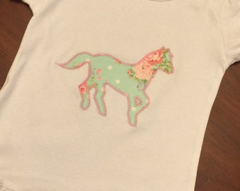 Girls Horse Shirt Custom. Embroidered. Applique Girls Ruffled Shirt Chic and Shabby Horse. Girls Gift. Girls T-Shirt. Girls Horse Shirt