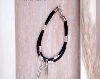 Bracelet Boho-charms feather silver old-suede grey, black-style ethnic