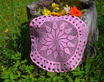 Crochet doily / Lace / Pink / 13 inches (33 cm)