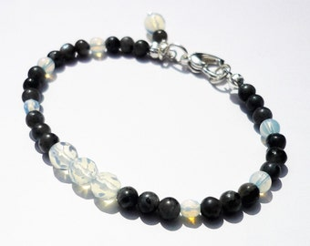Labradorite and moonstone beaded bracelet