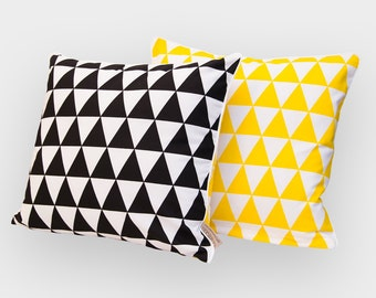 KraftKids pillow cover - yellow and black triangles