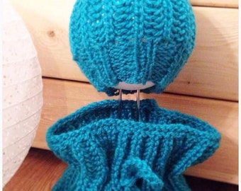 Turquoise hat and cowl