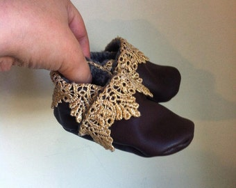 Brown & Gold Lace Mocc
