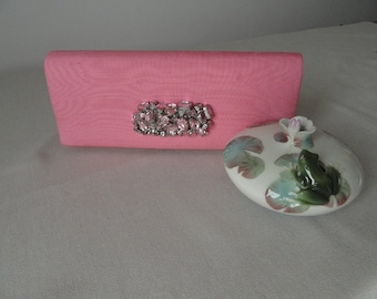 Pink clutch with brosse-very good-jewel
