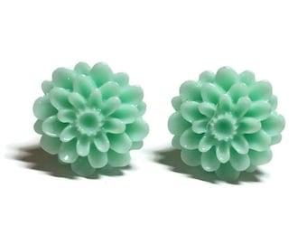 Flower Earrings, Green Flower Earrings, Flower Stud Earrings, Chrysanthemum Post Earrings, Floral Stud Earrings