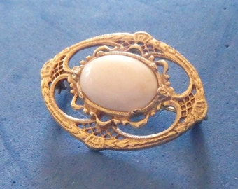 Pink cabochon in gold tone brooch-- around 1950's, poss. 128 jewelry ??? (price reduced)