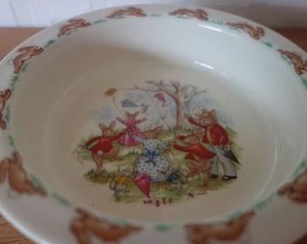 "Royal Doulton Bunnykins child's food bowl ""Flying Kites"""