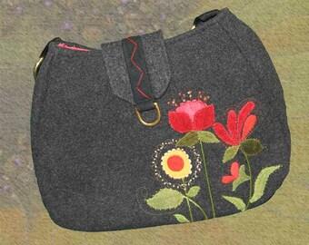 Wool Appliqued Messenger Bag 130 UC